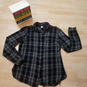 Old Navy Women's Plaid Shirt vintage Size M